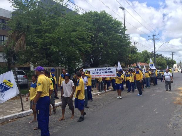 Funcionários dos Correios denunciam sobrecarga de trabalho (Foto: Michelle Farias/G1)