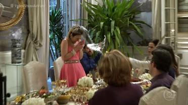 Confira os bastidores da guerra de comida entre Camila e Fedora