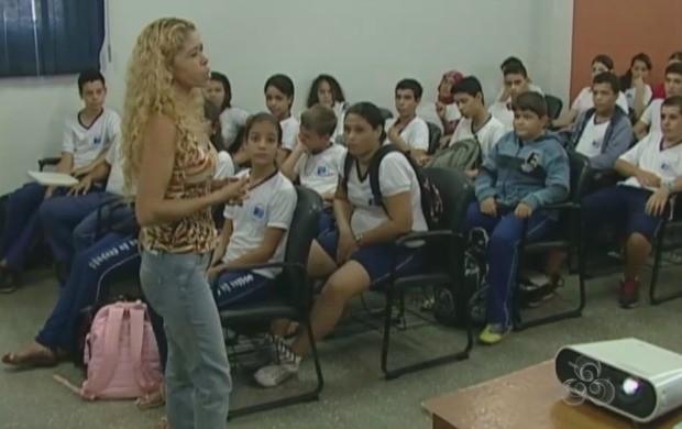 Apelidos de crianças na escola pode causar depressão (Foto: Rondônia TV)