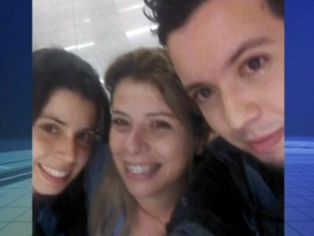 Fernando se encontrou com a mãe e a irmã no aeroporto (Foto: Reprodução/TV TEM)