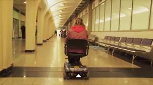 Nathalia Fernandez percorreu nos últimos 2 anos as 12 cidades-sede da Copa para testar a acessibilidade dos aeroportos. Assista abaixo o documentário produzido por Nathalia Fernandez sobre a acessibilidade nos aeroportos das cidades-sede da Copa.