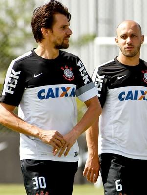 Paulo André e Alessandro - Corinthians (Foto: Daniel Augusto Jr / Agência Corinthians)