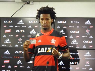 Rafael Vaz apresentação Flamengo (Foto: Fred Gomes)