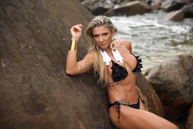 Elaine Ranzatto, destaque na Caprichosos de Pilares e musa na Rocinha (Foto: Davi Borges/Divulgação)