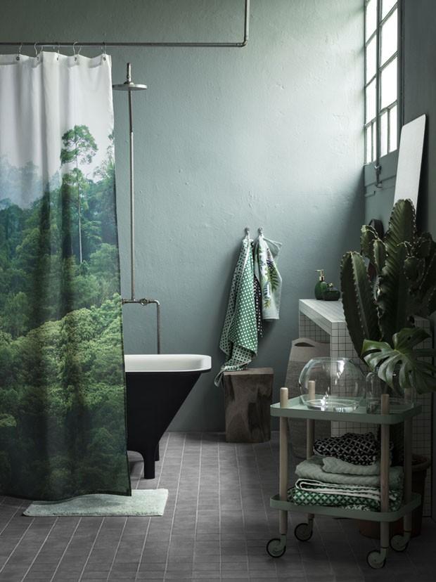 Décor do dia: banheiro verde aposta na tendência da floresta urbana