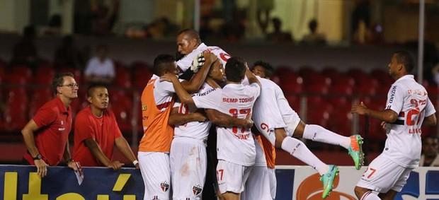Luis Fabiano gol São Paulo (Foto: Rubens Chiri / saopaulofc.net)