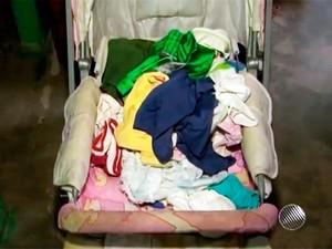 Bebê estava em carrinho quando foi levado (Foto: Reprodução/TV Bahia)