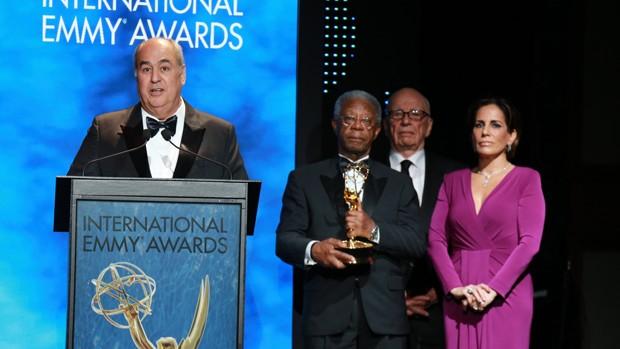 Roberto Irineu Marinho recebe o Emmy em Nova Iorque (Foto: Globo / Luiz C. Ribeiro)