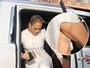 Jennifer Lopez usa cinta modeladora para ir a evento com look bem justo