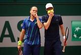 Com viradas, Soares e Melo vencem seus jogos e v�o �s semis em Toronto