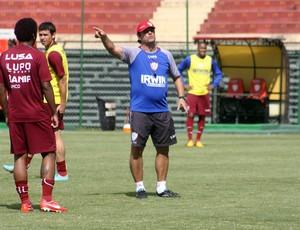 Portuguesa treino Edson Pimenta (Foto: Cleber Akamine)