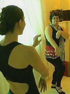 Maria Emília precisou tirar parte da mama após o câncer (Foto: reprodução/TV Tem)