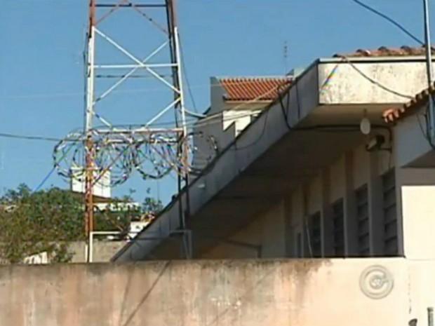 Laudo aponta problemas na cadeia de Capão Bonito (SP). (Foto: Reprodução TV TEM)
