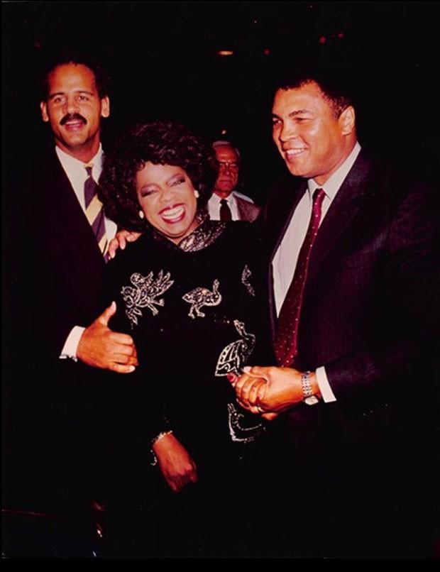 Oprah Winfrey e Muhammad Ali. (Foto: Divulgação/Oprah Winfrey)