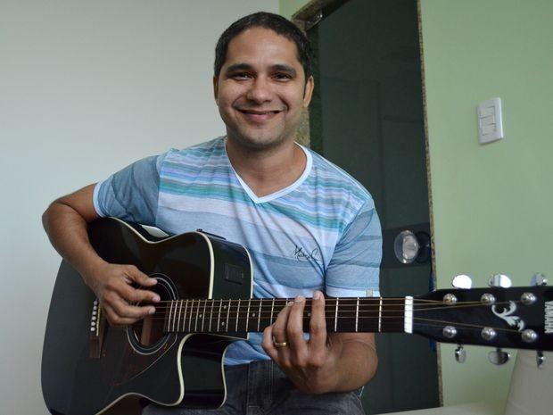 Banda Adão Negro faz show no Subúrbia em Aracaju (Foto: Marina Fontenele/G1 SE)