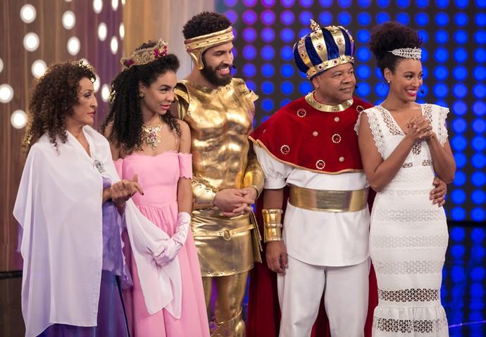 Família Menezzes no palco do 'Tamanho Família': Veralinda, Sol, Drayson, Haroldo e Sheron (Foto: Isabella Pinheiro / Gshow)