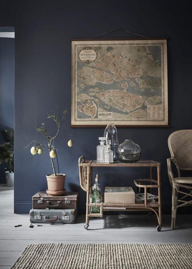 Décor do dia: hall com motivos naturais e paredes escuras (Foto: JOHAN SPINELL/DIVULGAÇÃO)