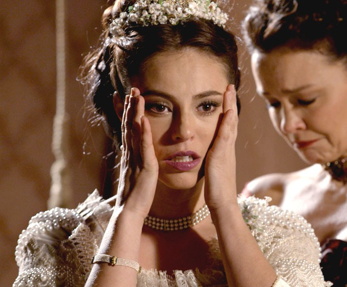 Melissa fica chocada com a revelação da carta! (Foto: TV Globo)