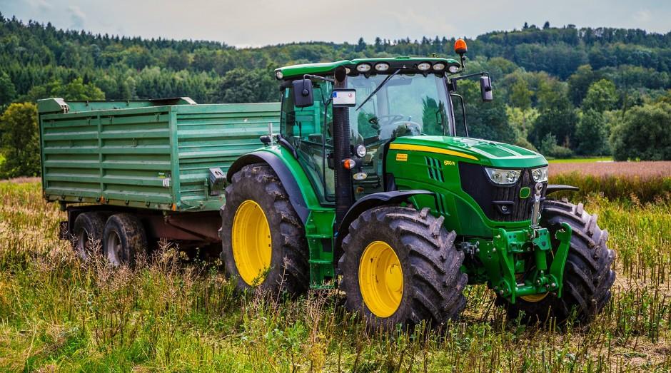 Fabricante de máquinas agrícolas registrou lucro líquido de US$ 641,8 milhões  (Foto: Pixabay)