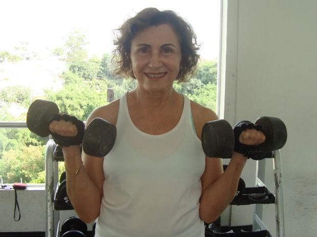 Helenita aos 72 anos malha cinco vezes por semana (Foto: Tatiane Santos/G1)
