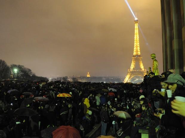 réveillon em Paris, França (Foto: Miguel Medina/AFP)