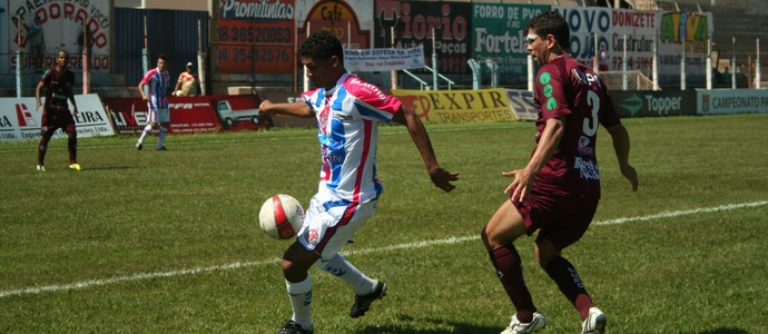 Atacante Fio do Penapolense é emprestado ao Luverdense (Foto: Divulgação / Penapolense / Silas Reche)