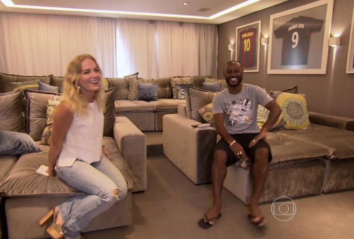 Vagner Love abre sua casa para Angélica (Foto: TV Globo)