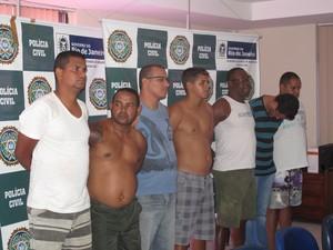 Integrantes da milícia de Saracuruna presos na Operação Parajás (Foto: Alba Valéria Mendonça/ G1)