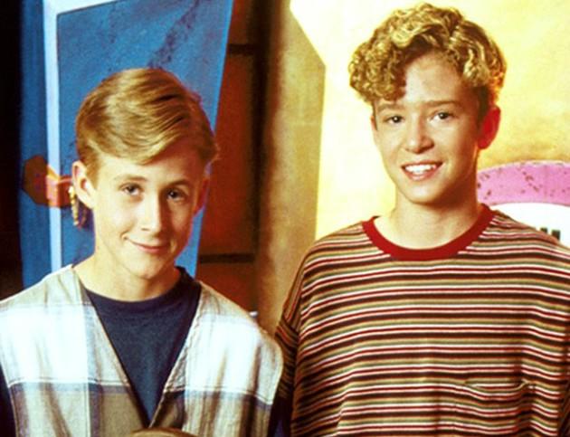 Não só Ryan Gosling (à esq.) e Justin Timberlake trabalharam juntos quando crianças, no 'Mickey Mouse Club'. A mãe do futuro cantor chegou a ser responsável legal por Gosling quando este foi morar com Justin na Flórida, para gravar o programa mais facilmente. Ou seja: esses dois são praticamente irmãos. (Foto: Divulgação)