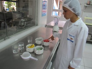 Nutricionista o maracujá não poder batido com  as sementes. (Foto: Fabiana De Mutiis/G1)