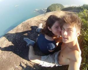 Carol Castro e o noivo Raphael Sander (Foto: Domingão do Faustão / TV Globo)