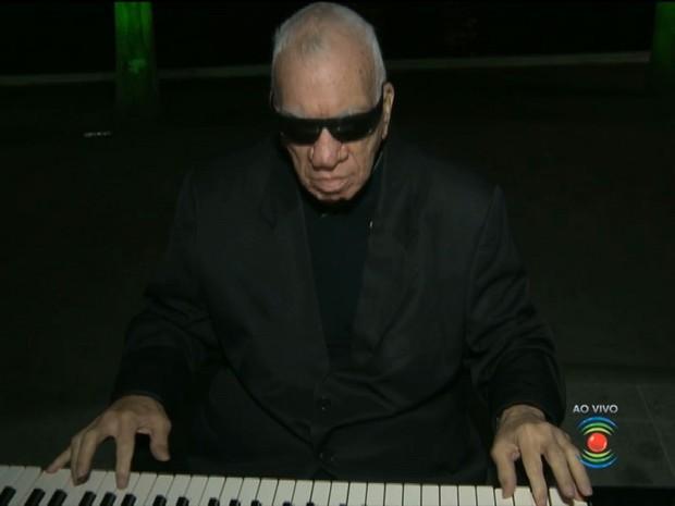 O músico multi-instrumentista morre aos 72 anos, após complicações com câncer (Foto: Reprodução/TV Paraíba)