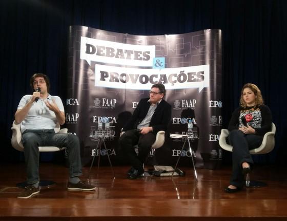 Carina Vitral, presidente da UNE, e Joel Pinheiro, membro do Partido Novo, discutiram sobre a participação dos jovens na política (Foto: Gabriela Varella)