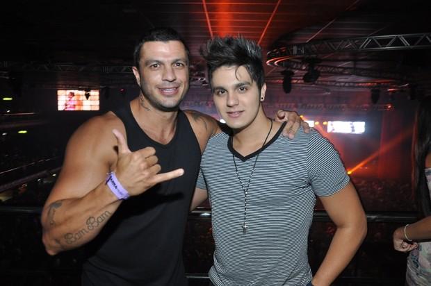 Bambam e Luan Santana (Foto: Bruno Henrique/Barra Music)