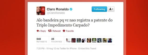 Ronaldo ironizou o assistente Emerson Augusto de Carvalho após erros (Foto: Reprodução/Twitter)