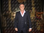 Oscar Magrini reúne amigos em festa 'Las Vegas' avaliada em R$130 mil