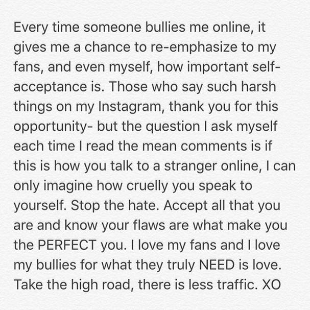 O texto sobre amor próprio de Ariel Winter (Foto: Reprodução Instagram)
