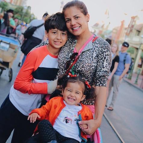 Nivea e os filhos Miguel e Bruna (Foto: Reprodução )