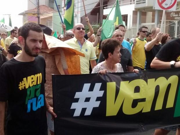 Manifestação em Lages (Foto: Vitor Hugo Bittencourt/RBS TV)