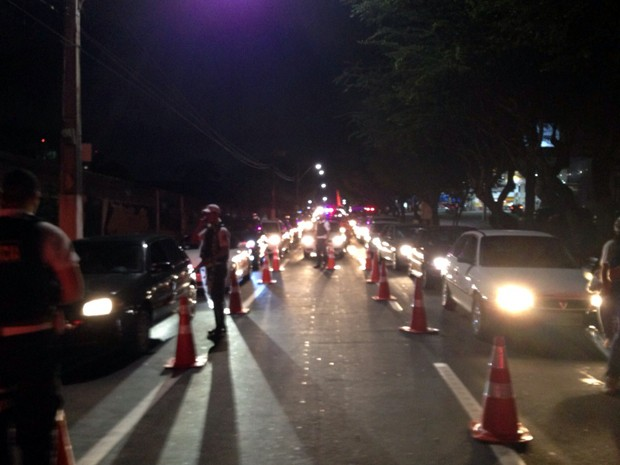 Operação foi realizada na Avenida Prudente de Morais após o Carnatal (Foto: Divulgação/Polícia Militar do RN)