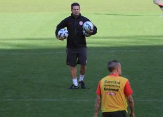 Argel comanda treino do Inter no Beira-Rio (Foto: Eduardo Deconto)