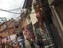 Mulher Melão posa sexy para capa de revista em favela de São Paulo