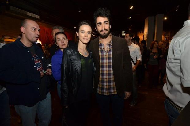 Bianca Bin e o marido (Foto: Marcello Sá Barreto e Leo Marinho / AgNews)