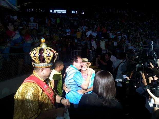 Novo Império faz festa no Álvares Cabral  (Foto: Naiara Arpini/ G1)