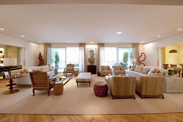 Tudo novo na casa nova casa vogue interiores for Como decorar sala grande