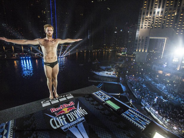 Andy Jones foi o campeo da etapa de Dubai do Red Bull Cliff Diving (Foto: Romina Amato/Red Bull Content Pool)