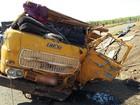 Acidente entre caminhões deixa um morto e um ferido em Cafelândia