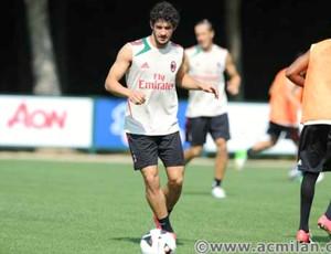 Alexandre Pato treino Milan (Foto: Reprodução / Facebook)