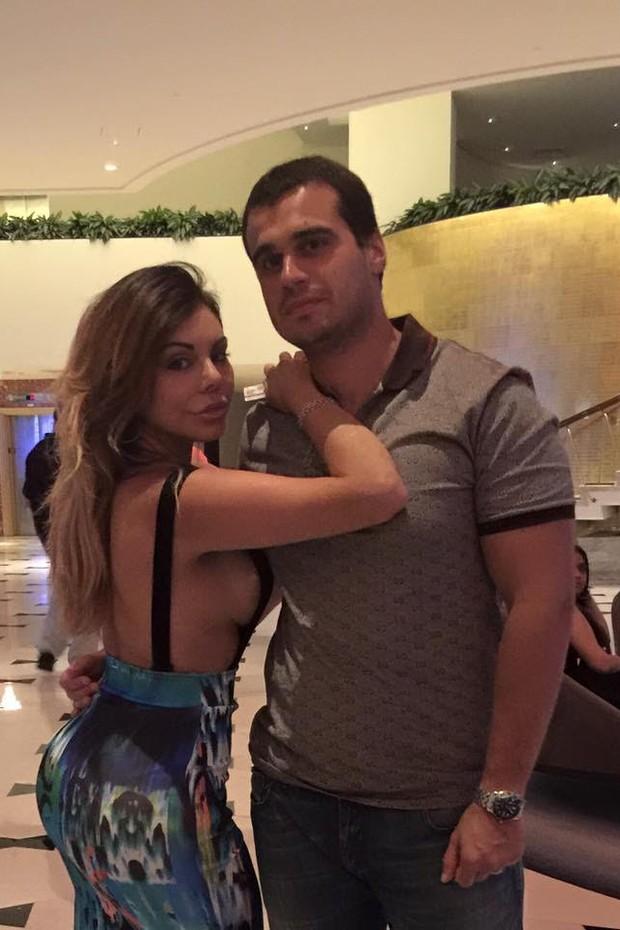 Liziane Gutierrez com o marido (Foto: Arquivo Pessoal)