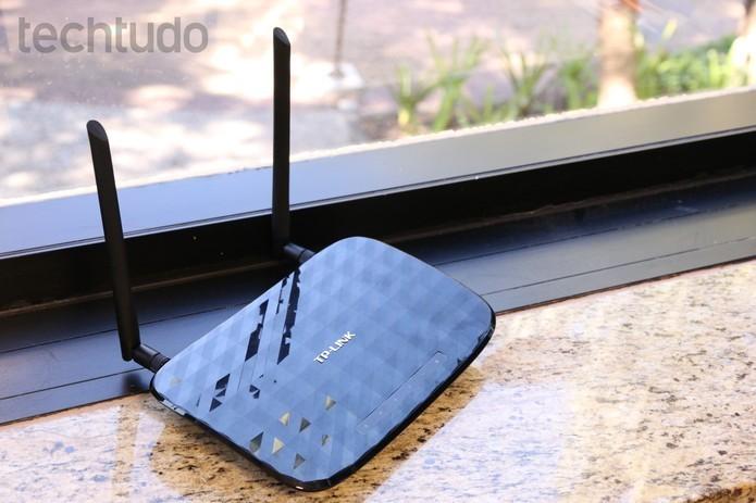 Design de TP-Link e D-Link se mostra eficiente: aparelhos discretos e fáceis de entender (Foto: Luciana Maline/TechTudo)